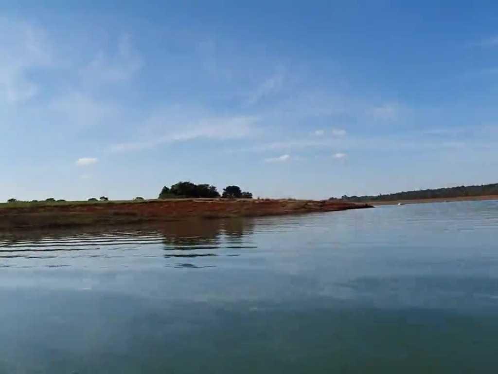 Alugo casa no lago de furnas