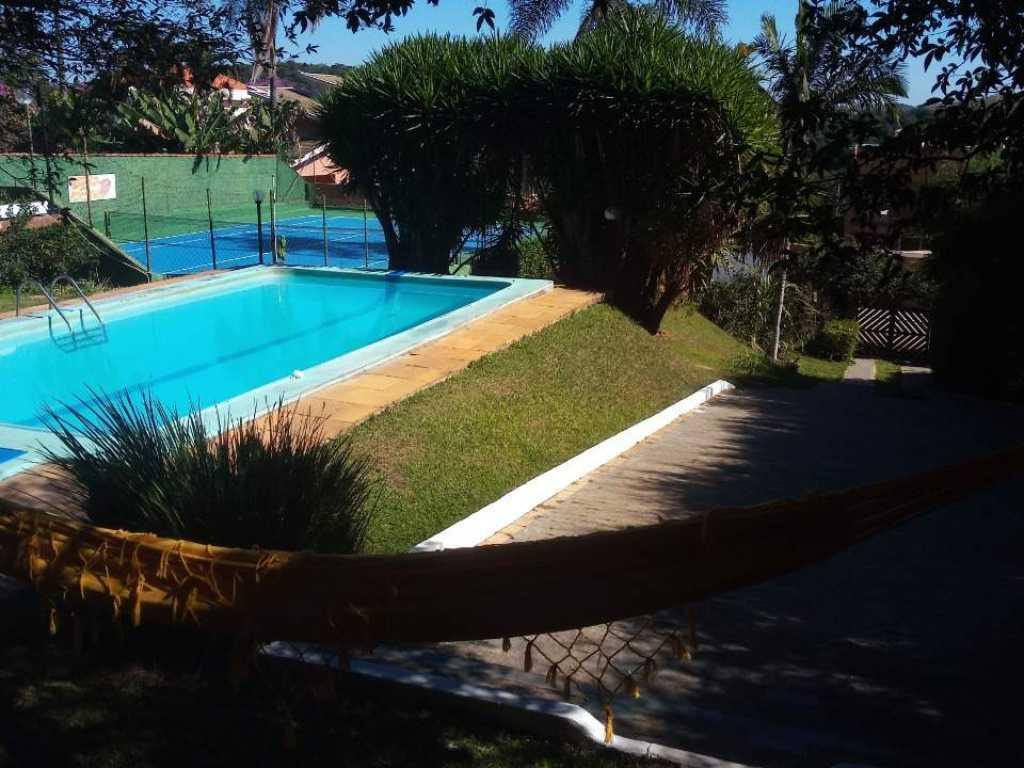 Casa de campo com 2(duas) piscinas e quadra de tênis. Cond. Chácara Bela Vista,  Est. Sta Inês, km  18 - B. Vila Machado, Frente a represa.