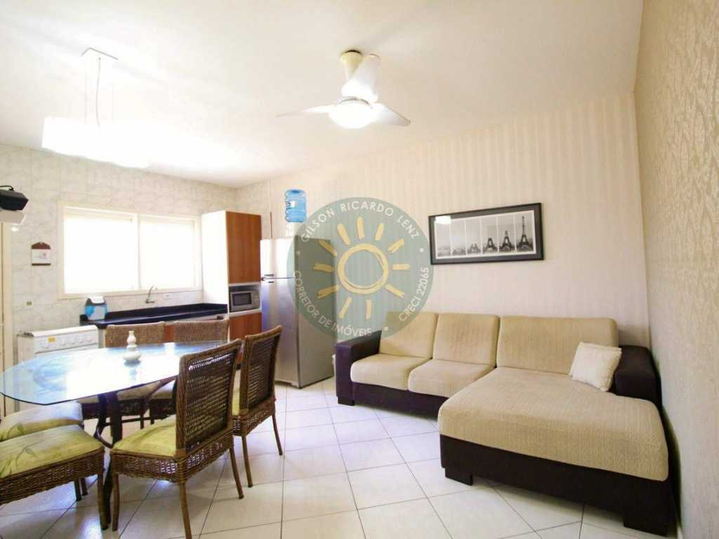 Apartamento localizado a 60 metros da linda praia de Quatro Ilhas em Bombinhas.