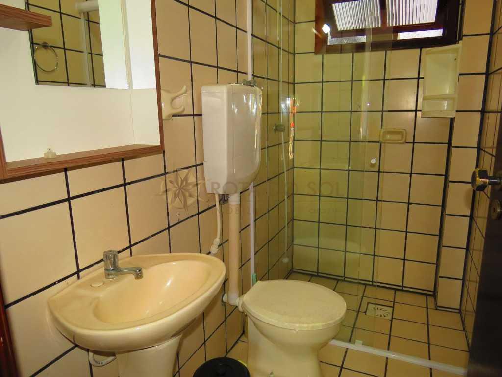 Cód 225E - Apartamento com excelente localização em Bombinhas - Tarifa econômica
