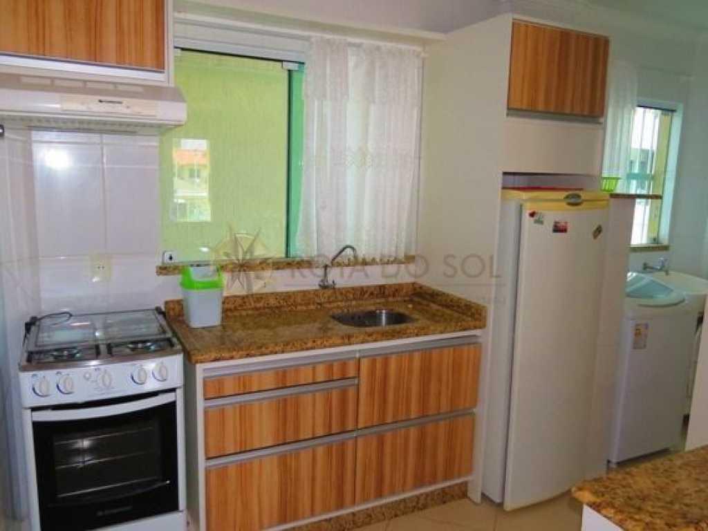 Cód 026 - Apartamento para até 6 pessoas na praia de Bombas, 1 vaga de garagem e WI-FI.