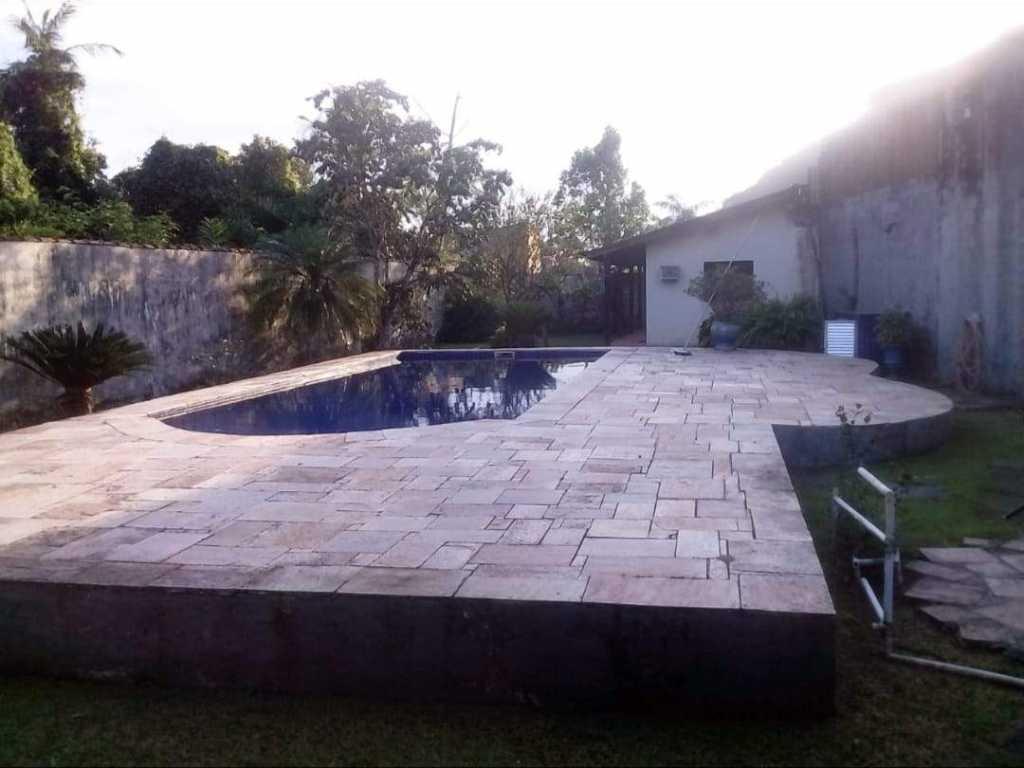Alugo Casa para Natal e Reveillon com piscina grande