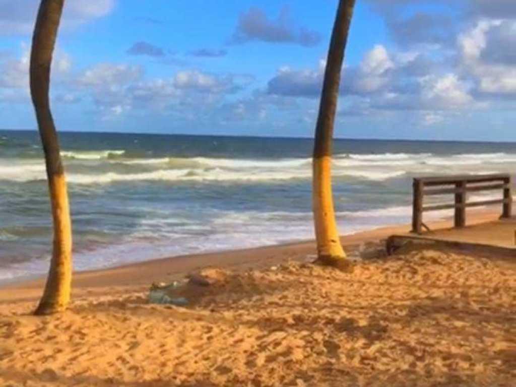 Maravilhosa casa pé na areia em Salvador.