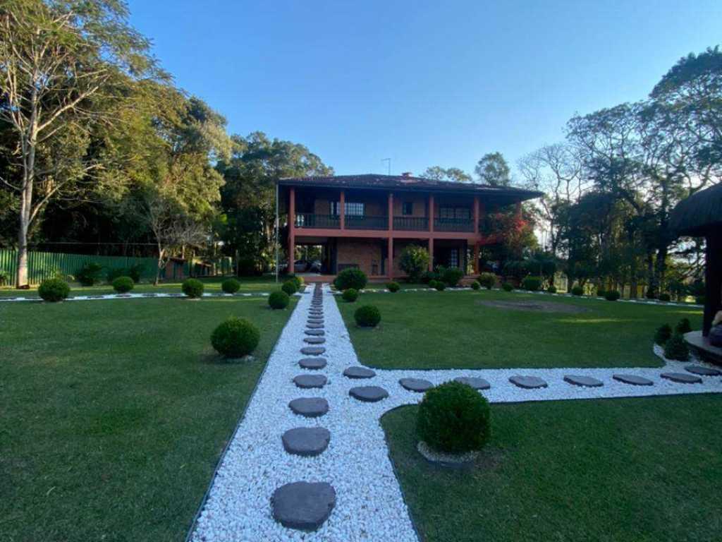 Casa de Campo próximo a Vinícola, vista para as montanhas, a minutos de Curitiba