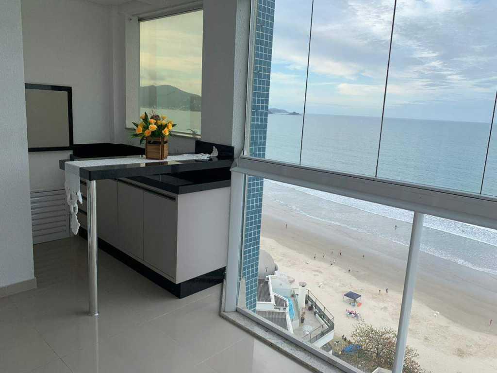 Apartamento frente para o mar 3 suites climatizadas - Meia Praia