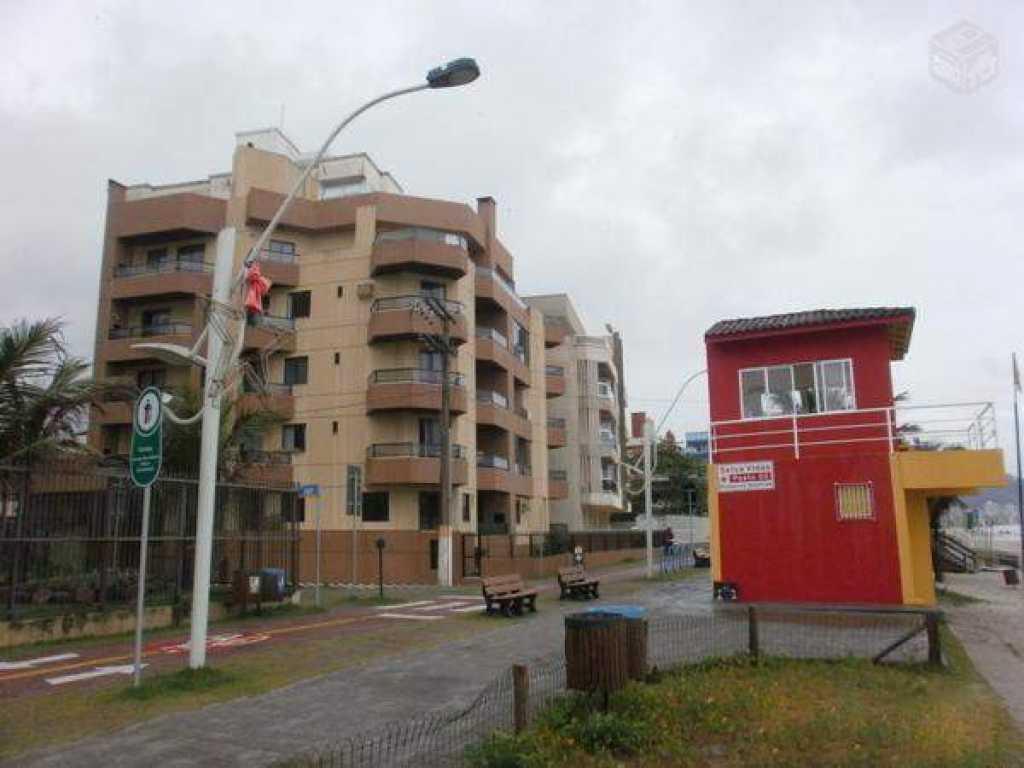 Apartamento com vista para a praia com 3 quartos com ar - Meia Praia