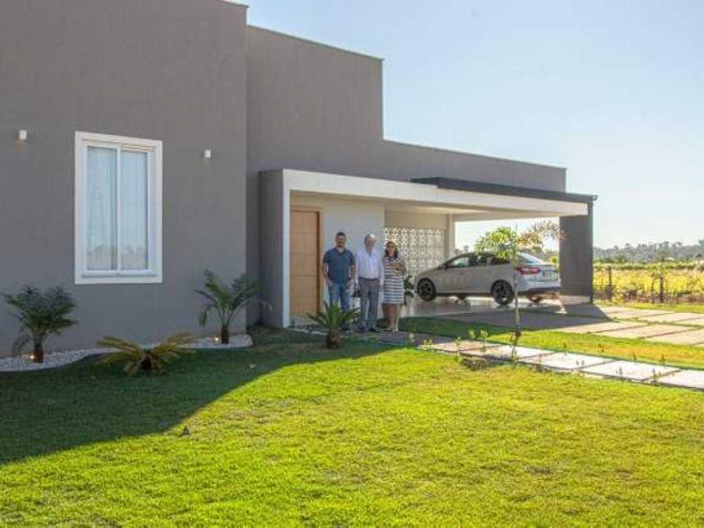 Casa em Chacara em Condominio Fechado - Próximo ao Arca Parque