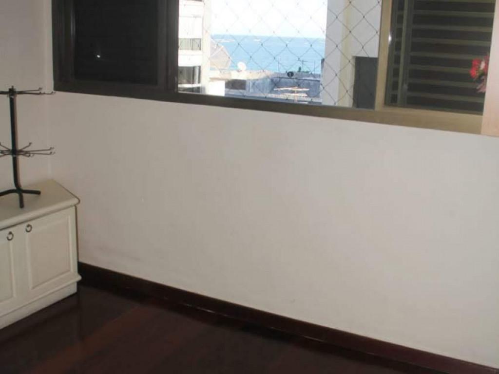 Otimo apto  de 3 quartos wifi,tv a cabo ,ar , vista para o mar