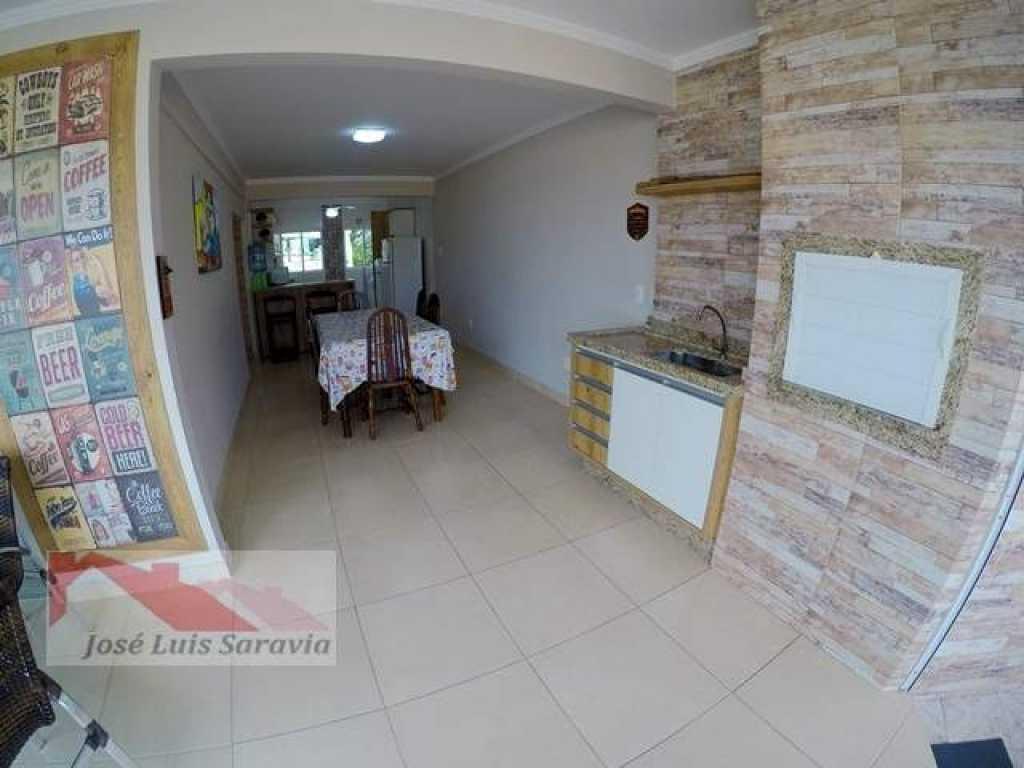 Amplo apartamento e novo de 3 quartos, ar condicionado na sala e 2 vagas de garagem!