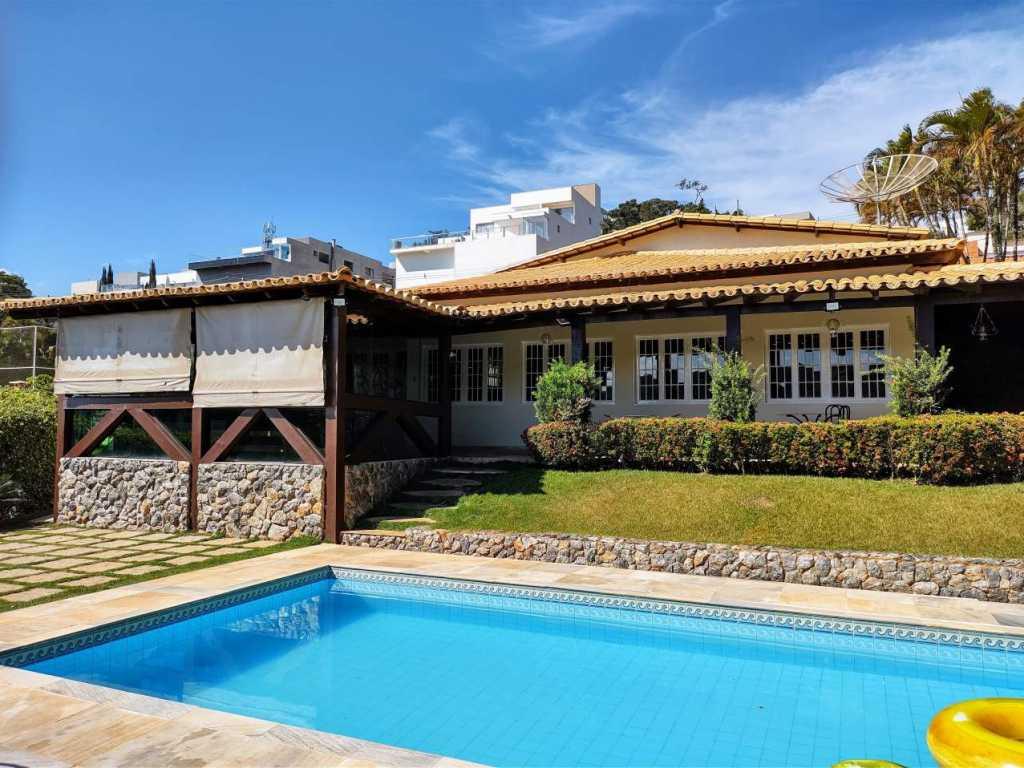 Casa em Escarpas do Lago Ótimo Preço, Aconchegante, Área bem Ampla e Excelente Localização