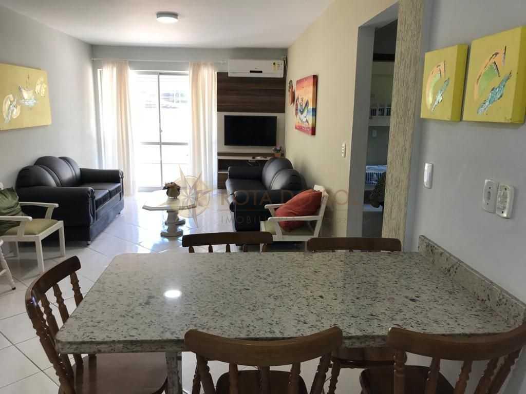 Cód 269 - Ótimo apartamento na quadra do mar em Bombinhas.
