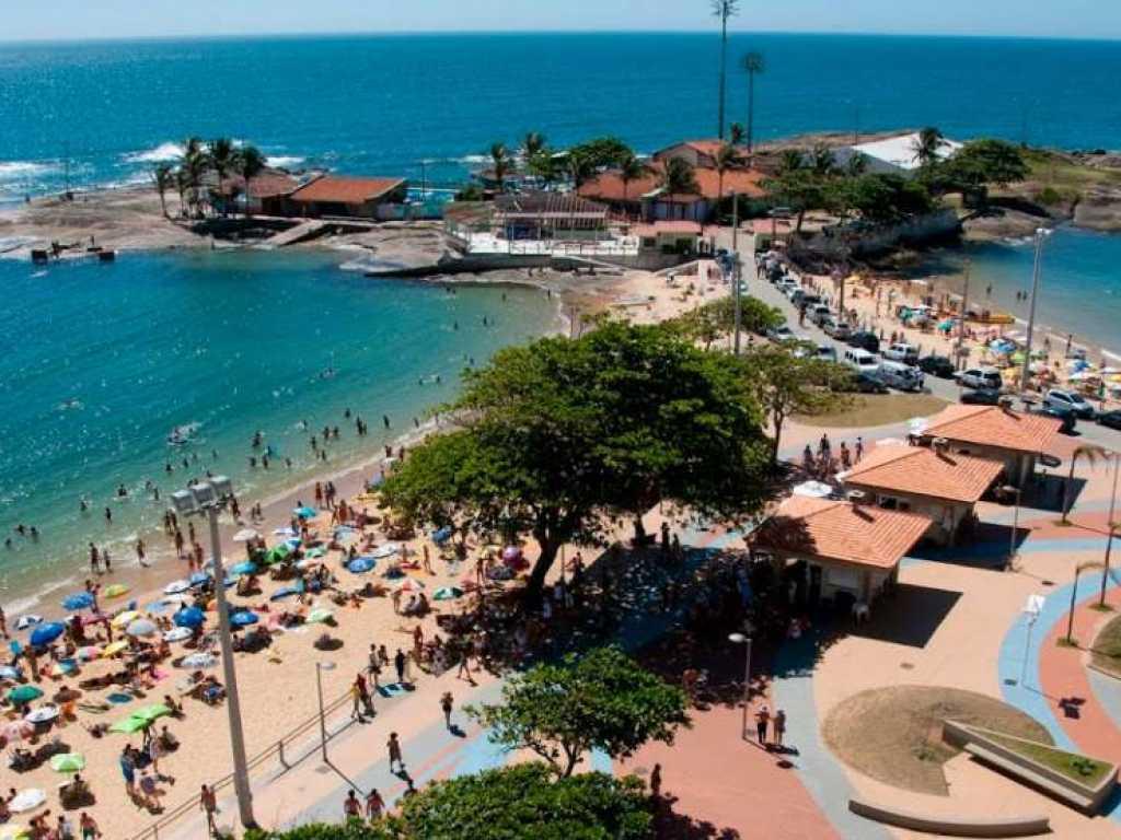 Casa de luxo na Praia das Castanheiras - Guarapari-ES