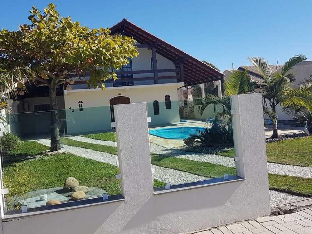 Alugo lindo chalé com piscina entre duas praias paradisíacas