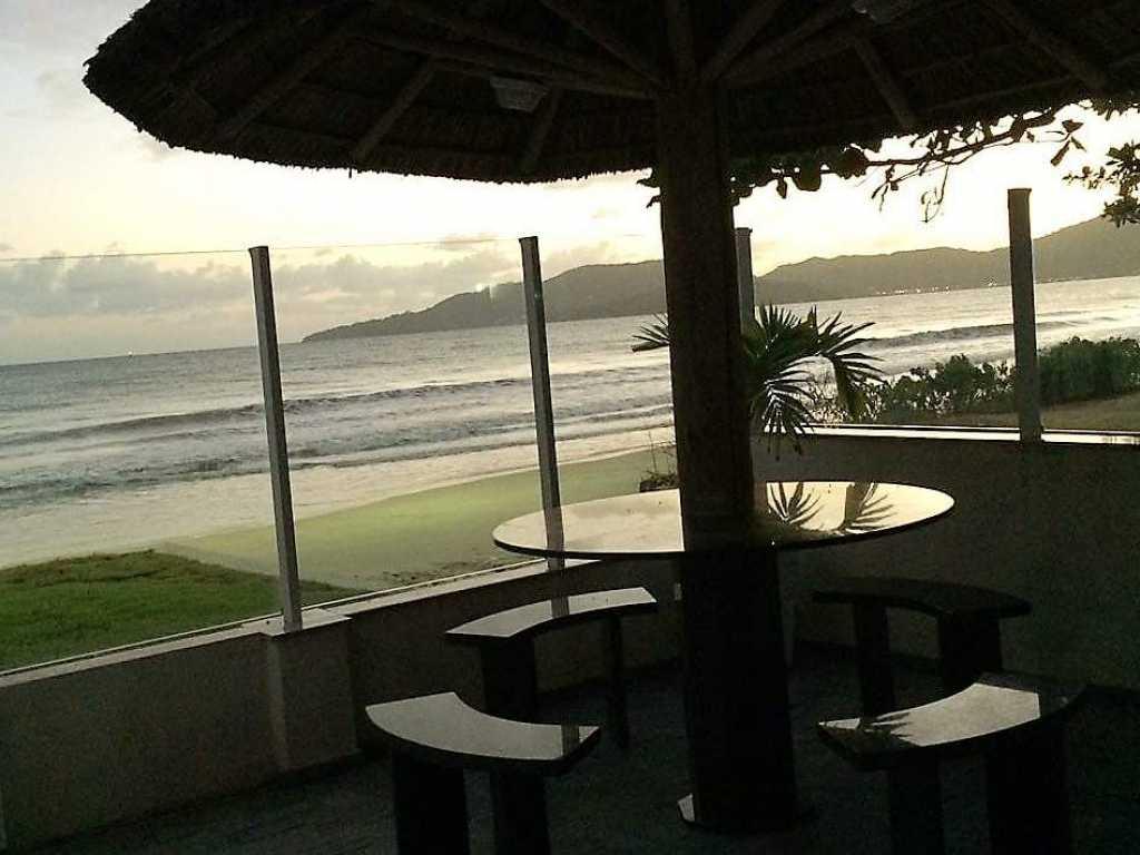 Casa com pe na Areia para 11 pessoas praia Pereque - Porto Belo