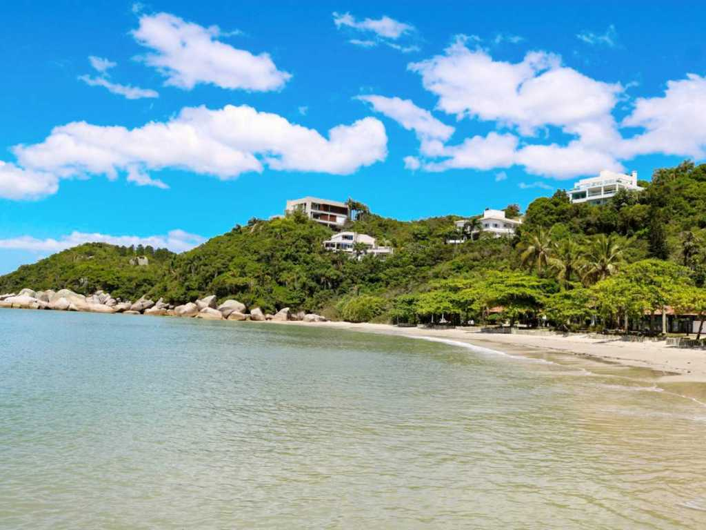 Casa a beira mar em Condomínio Marítimo na Costa Esmeralda. Vista espetacular!