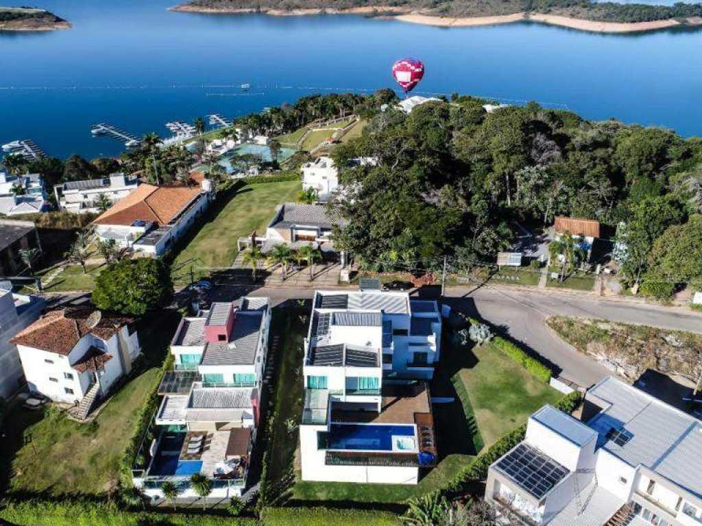 Casa Super Luxo em Escarpas do lago