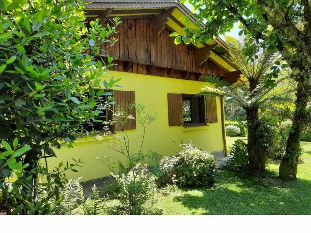 Confortável casa em Gramado, bairro Planalto
