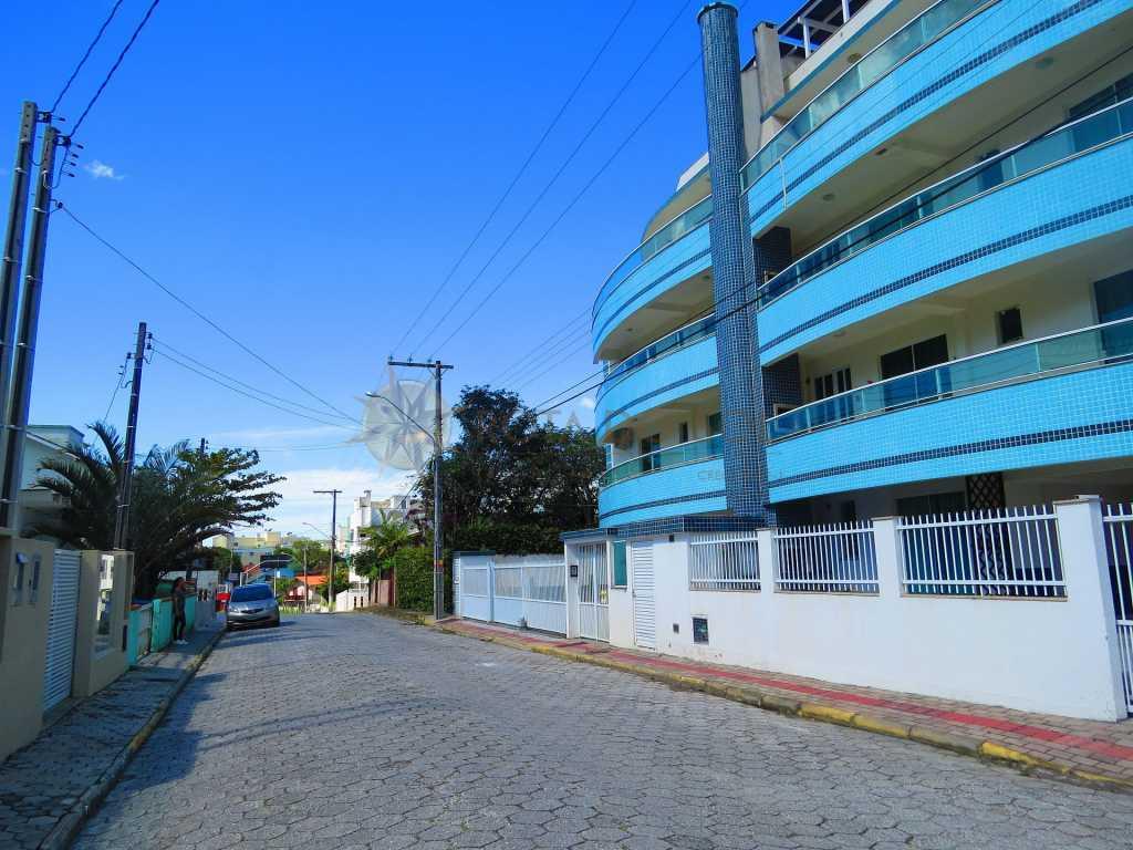 Cód 018 - Linda Cobertura para até 08 pessoas, com Piscina Privativa, garagem para 01 carro e Wi Fi.
