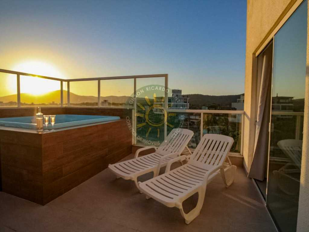 Aluguel de Apartamento Temporada | Excelente cobertura Duplex com SPA localizada a 120 metros da praia de Mariscal.