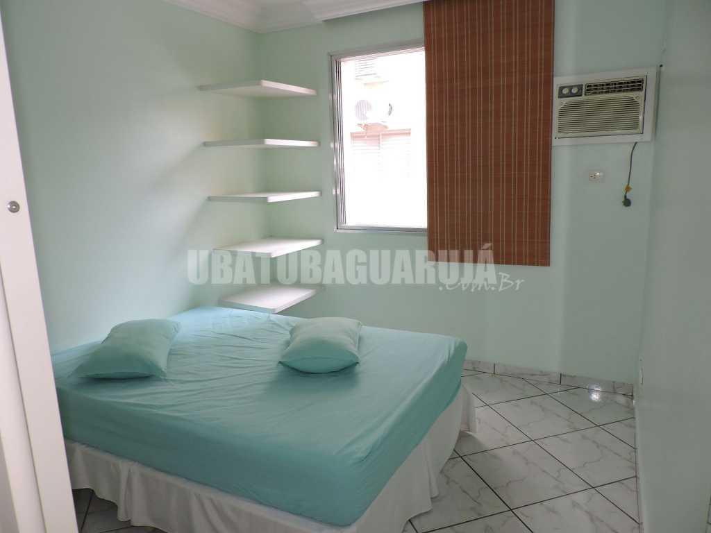 Apartamento 21 de 1 dormitório para 5 pessoas a duas quadras da Praia da Enseada - Guarujá