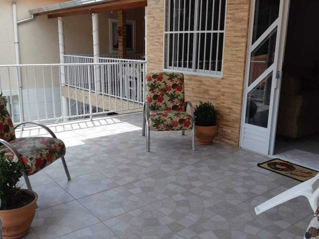 Linda Casa de quartos com 1 suite a 300 mtrs do mar - casa 5