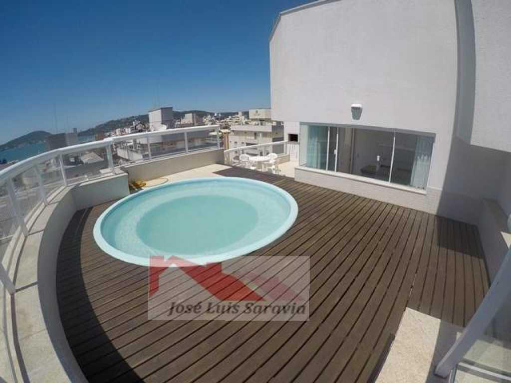 Cobertura com vista para o mar, com 3 suítes, 5 WC, deck com piscina e vista top!
