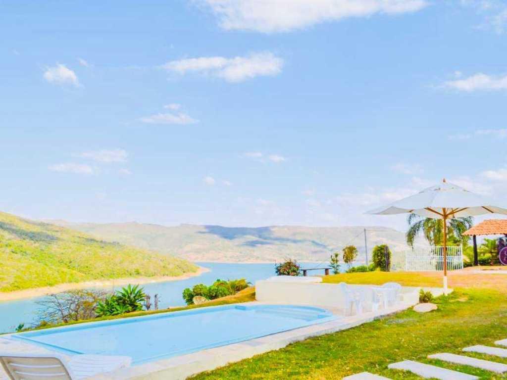 Lindo Rancho no Funil com vista incrível para o Lago de Furnas com Piscina e churrasqueira