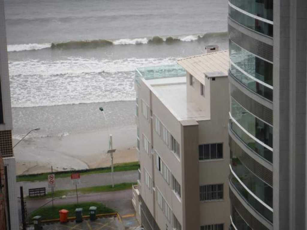Apartamento 3 quartos com ar ao lado shopping Russi - Meia Praia