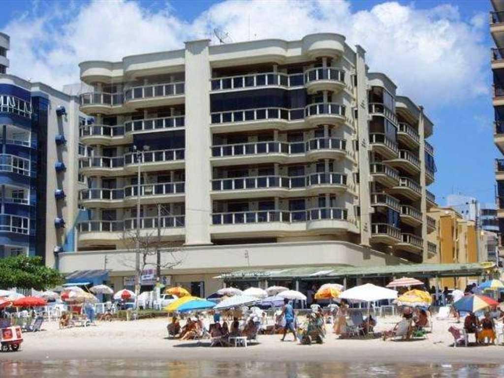Apartamento de 2 quartos com ar com vista para a praia - Itapema