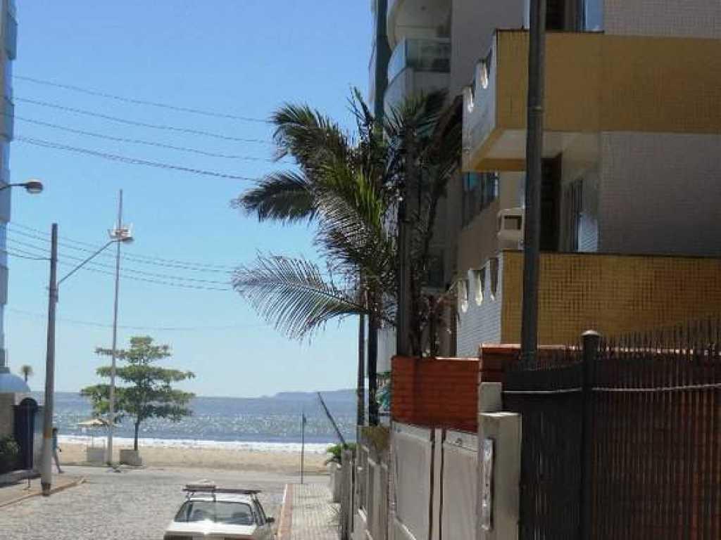 Casa 5 quartos com ar a 30 mts da praia - Centro