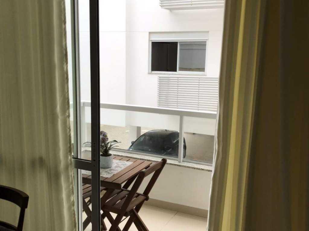 Excelente Apartamento - TEMPORADA - Local Nobre - Praia dos Ingleses - 2 dormitórios.