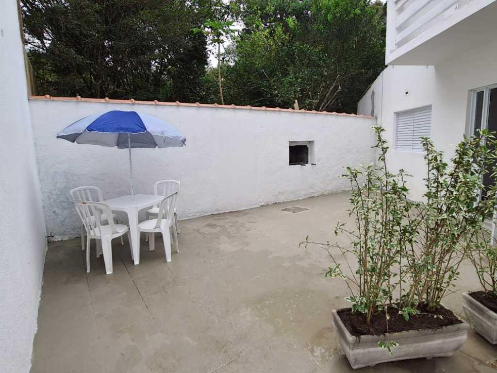 Casa para 7 pessoas a 100 metros da praia e do Rio Guaratuba