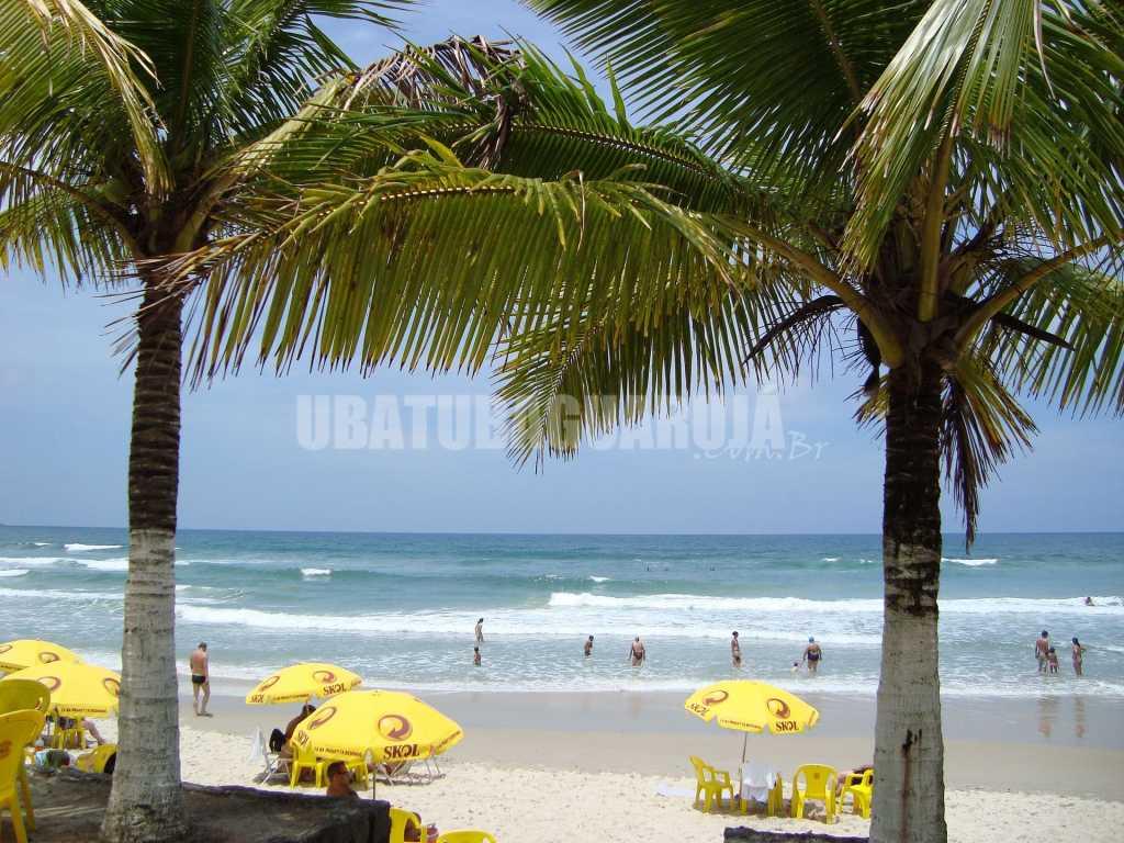 Apartamento 06-C de 1 dormitório para 5 pessoas a duas quadras da Praia Grande - Ubatuba