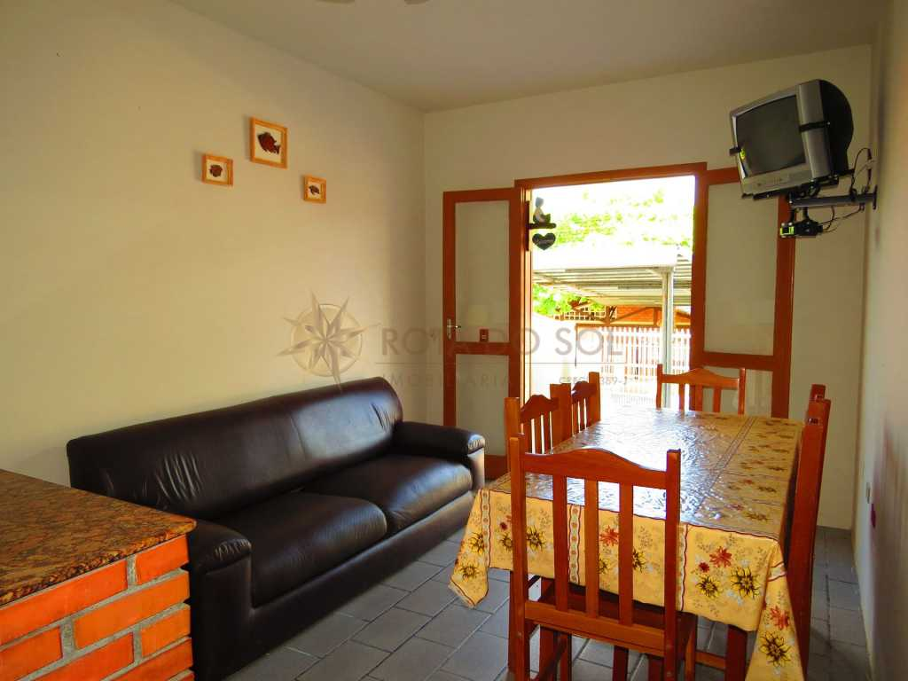 Cód 225B - Apartamento com excelente localização em Bombinhas - Tarifa econômica