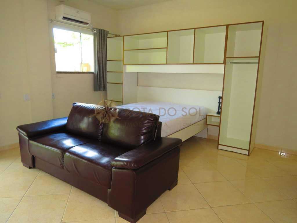 Cód 225-0 Loft para casal na área central de Bombinhas, 1 vaga de garagem, Wi-Fi