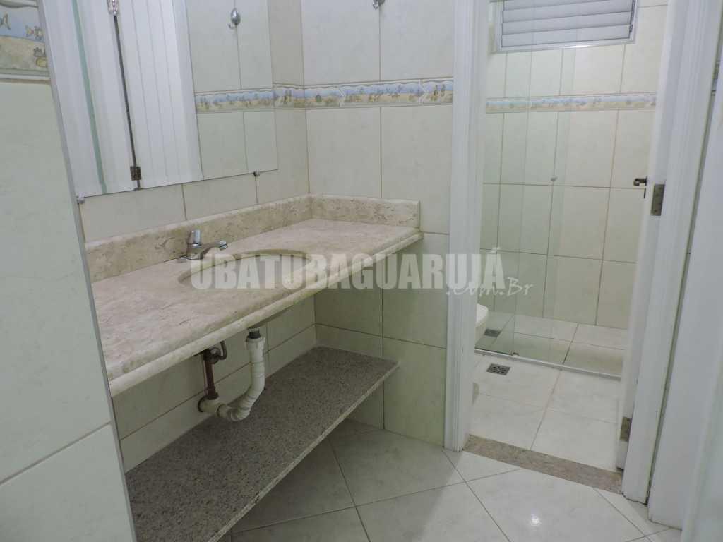 Apartamento 12 de 2 dormitórios para 7 pessoas a duas quadras da Praia da Enseada - Guarujá