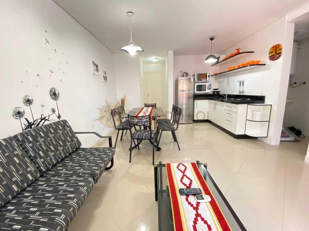 Cód 464 - Apartamento confortável à 180m da praia de Bombinhas - Centro para alugar