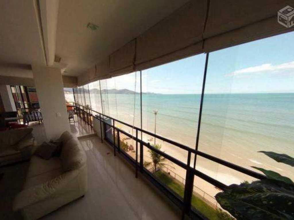 Cobertura com piscina com 5 quartos com ar - Frente para praia - Meia Praia