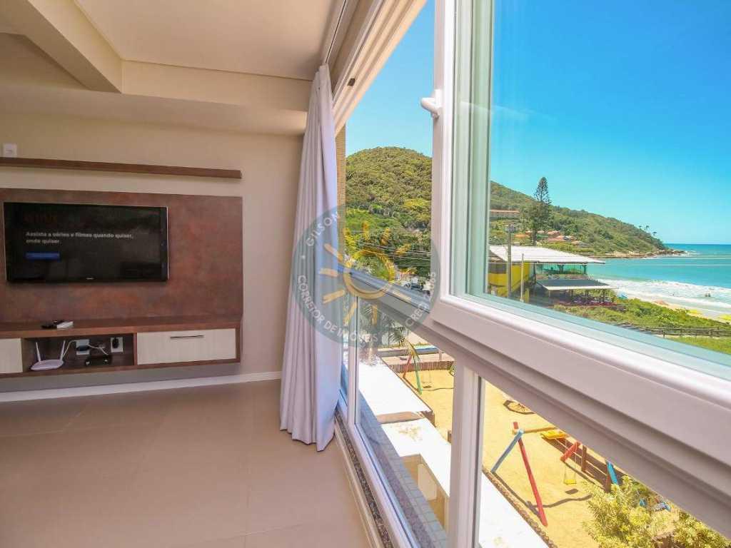 Apartamento de 2 dormitórios de frente para a praia de Quatro Ilhas - Exclusivo.