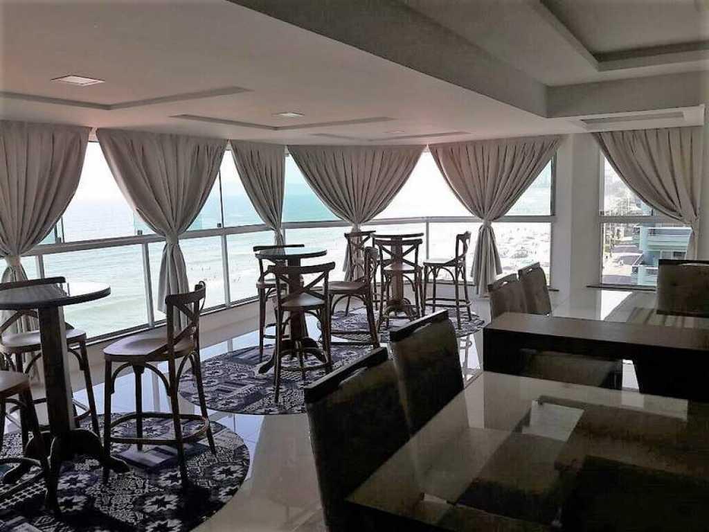 Apto frente para a praia com 3 suites com ar + quarto empregada