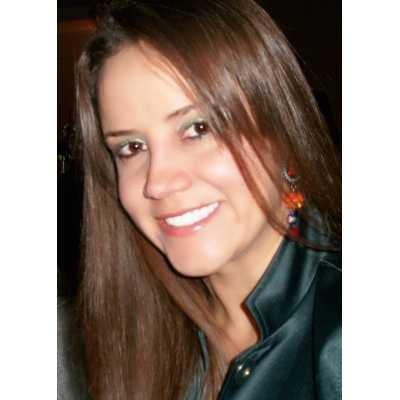 Luciana de Souza Monteiro Valezzi