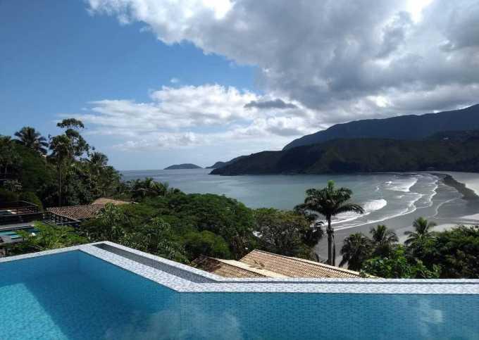 Casa com 2 quartos - vista paradisíaca da piscina