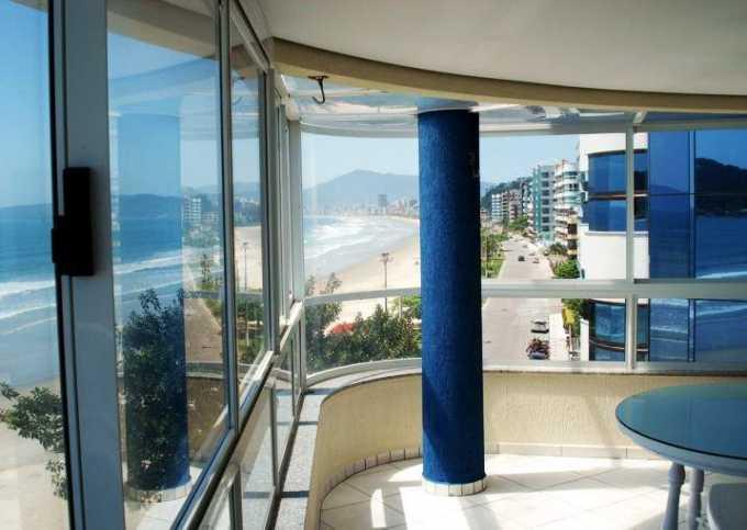 Apartamento frente para praia 4 quartos com ar - Centro
