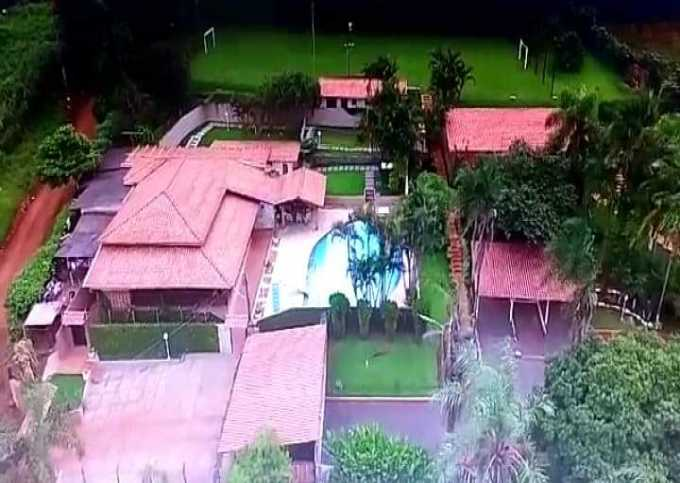 Hostel pousada chácara Leão de Judá