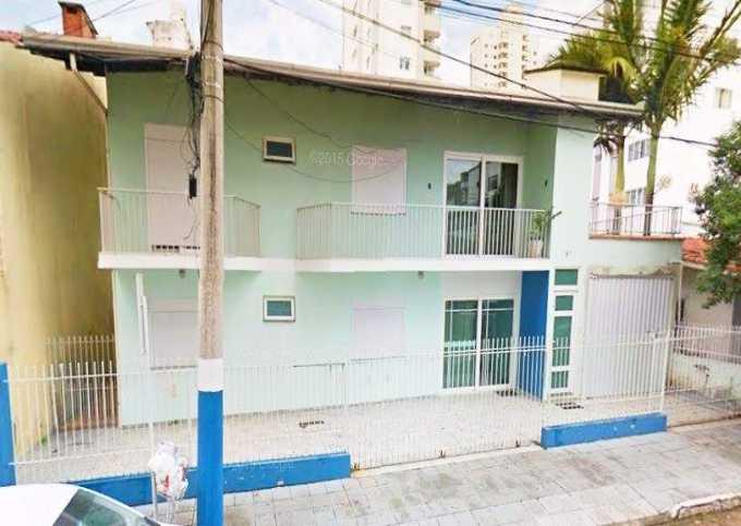 Ampla Casa Central em Balneário Camboriú !