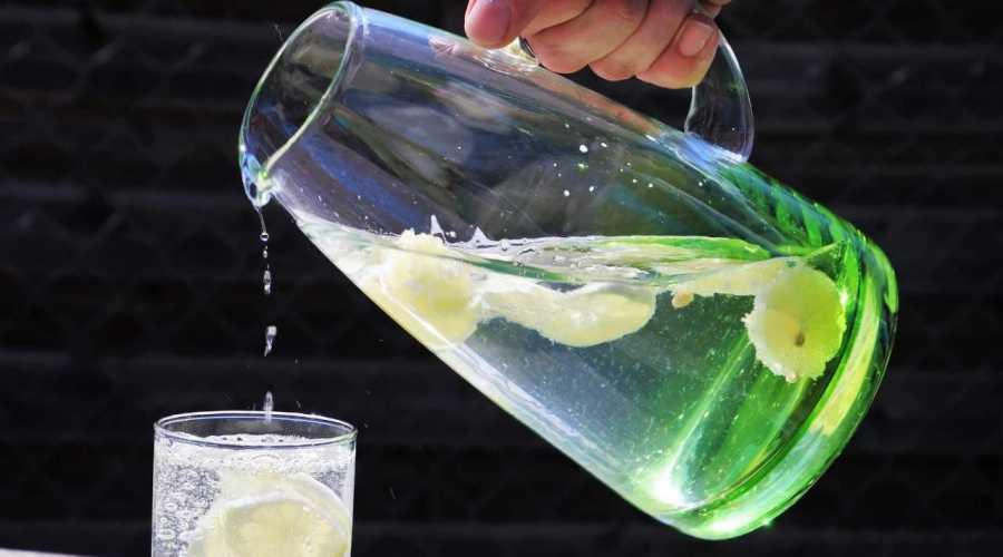 A importância da água: de beber água e os benefícios para nossa saúde