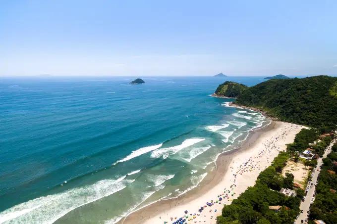 Juquehy, praia de São Sebastião localizada a 158 quilômetros da capital paulista